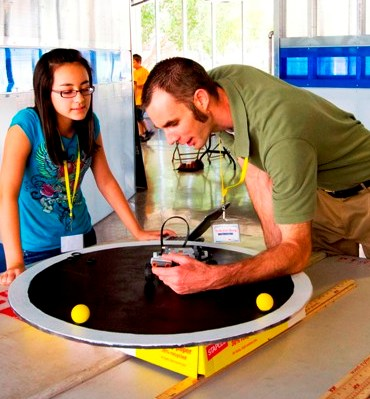 Robotics competition inspires youngsters to be self-educators