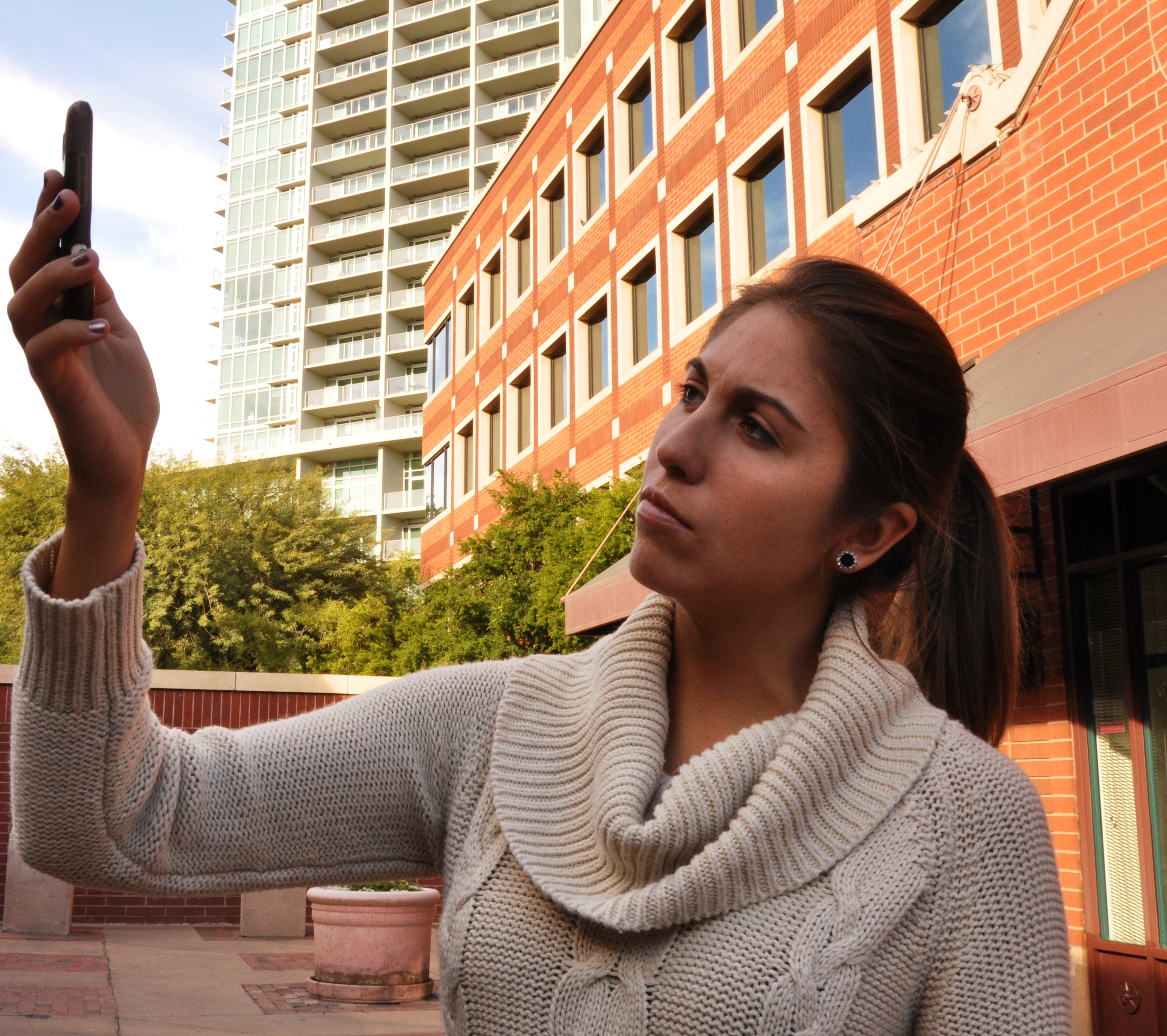 Engineering advances point way to better cell phone reception at lower cost