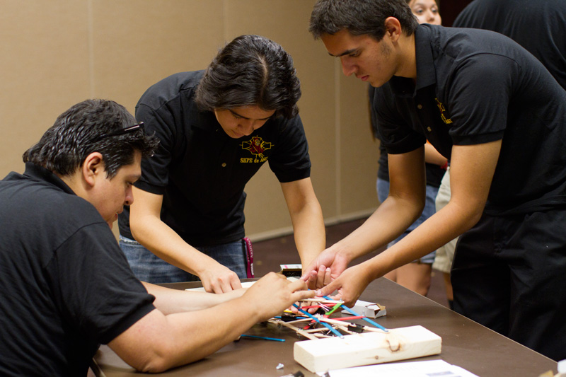 SHPE and the Legacy Initiative host STEM outreach event