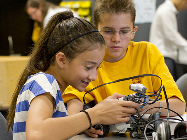 Summer camps offer young students engineering and technology experiences