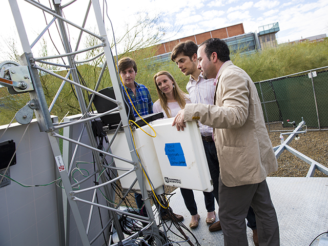 Students strive for deeper understanding of urban desert meteorology