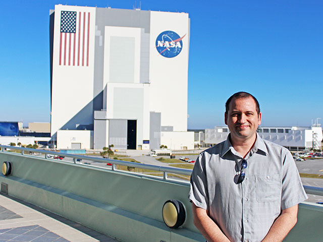 Air Force veteran and ASU engineering student Kristopher Maham has earned a prestigious internship position in which he's working to support the nation's space program.