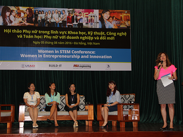 Kathy Wigal (right), BUILD-IT project director, moderated a panel discussion with (from left) Giang Thi Kim Lien, vice director of academic affairs, University of Danang; Kasia Weina, cofounder and managing director, Evergreen Labs; Vi Nguyen, CEO and cofounder of Funkoi, LLC, and Le Giang Nguye. National Agency for Technology.