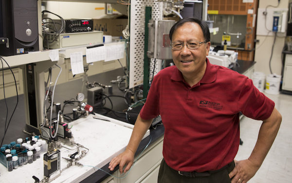 Capturing carbon dioxide and imaginations: Jerry Lin leads next generation of researchers