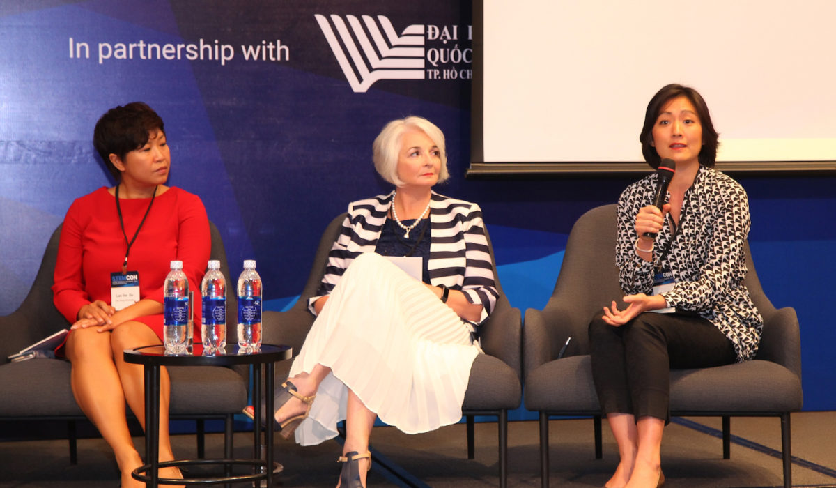 Keiko Inoue takes the mic to share her perspective on transformative models for innovation in higher education. (From left to right) Do Thi Lan Dai, chairwoman of Lac Hong University; Gael McDonald, president of RMIT University Vietnam; and Keiko Inoue, program leader for human development, World Bank Vietnam.