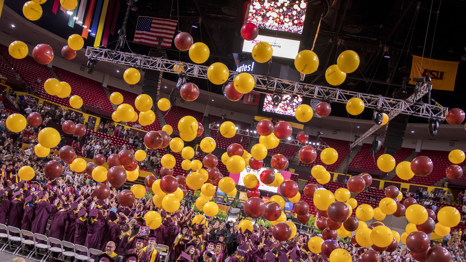 ballons falling from ceilng during convocation